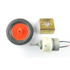 Robo India Geared DC Motor (100 RPM) + Wheel (7 cm) + DC Motor Clamp